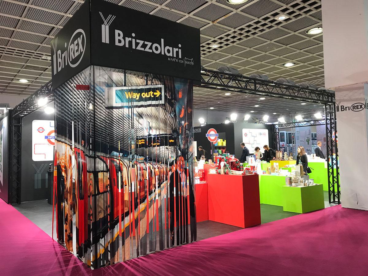TUOshow - ingresso e sfondo stand Fierafrancoforte